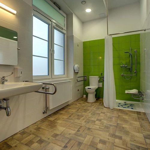 Ogólnodostępna łazienka dla niepełnosprawnych